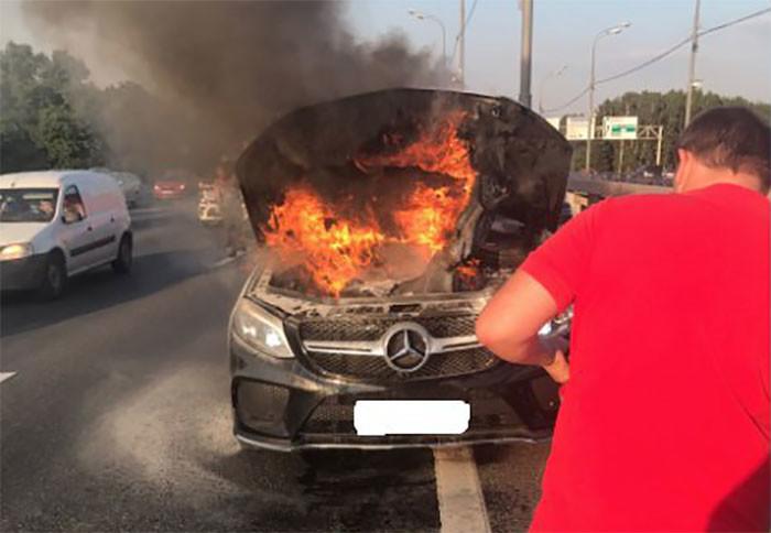 Mercedes-Benz заявили об опасности возгорания автомобилей и отозвали более 260 тысяч авто по всему миру