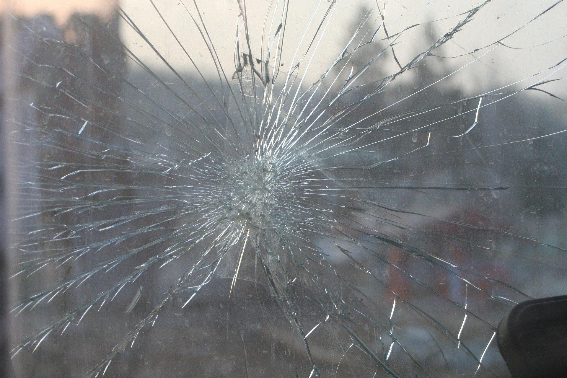 Можно ли получить штраф за трещину на стекле автомобиля?