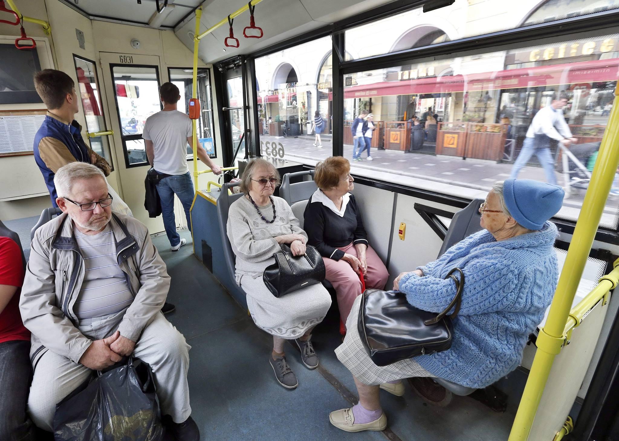 В автобусе нужно будет предъявить паспорт. Новые правила для пассажиров общественного транспорта