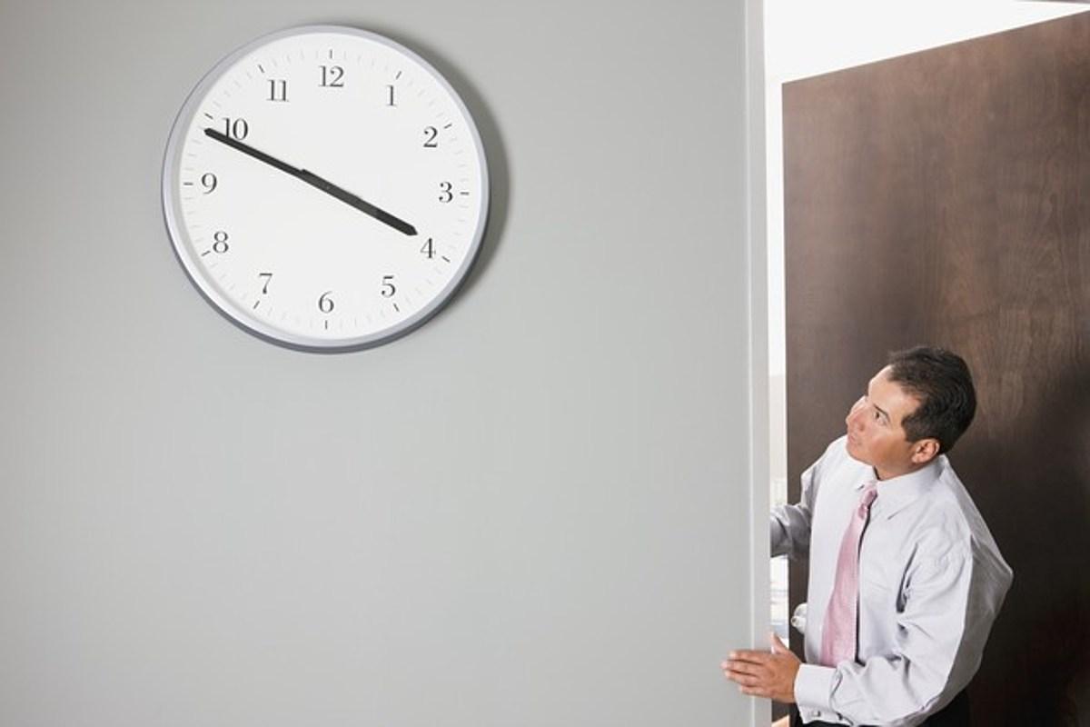 Кому хотят сократить рабочий день?