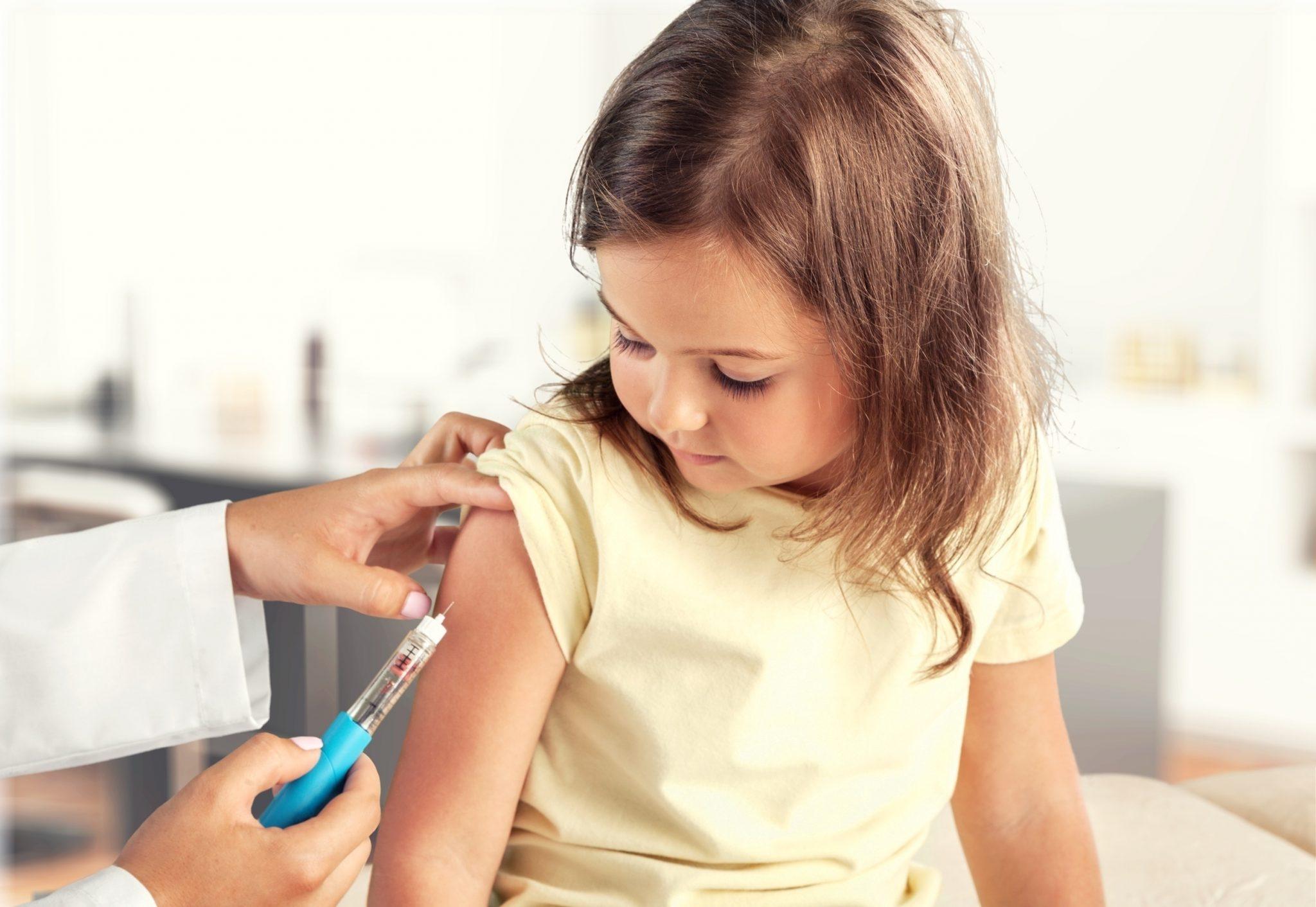 Прививки детям для школы и детского сада