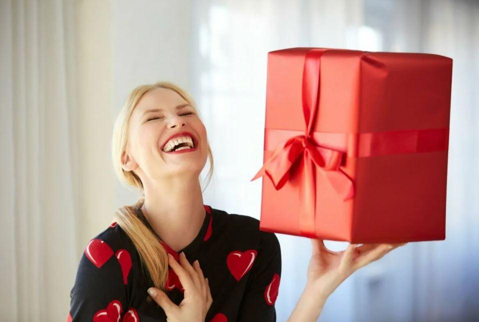 Самый дорогой подарок к 8 марта уедет к жительнице Тульской области
