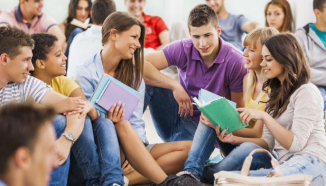В Госдуме внесли предложение установить единую зарплату молодым учителям