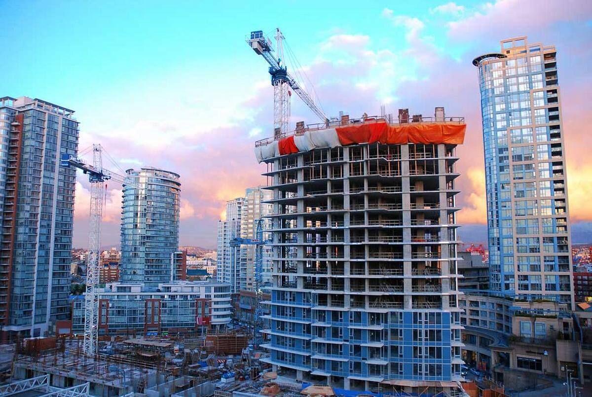 Покупать квартиру или выждать момент: что будет с рынком недвижимости летом