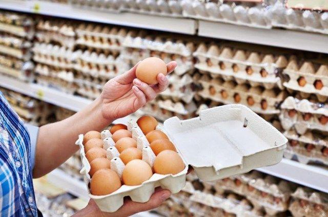 В России начали дешеветь яйца: как долго цены будут снижены?