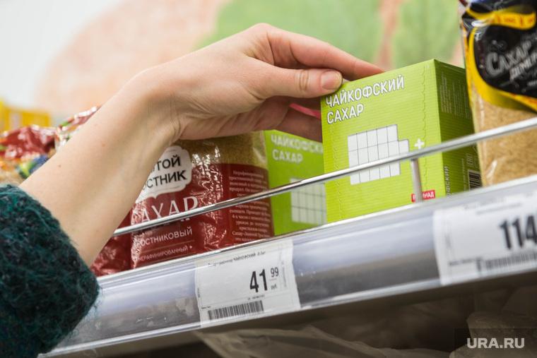 Руководители торговых сетей создают искусственный дефицит сахара
