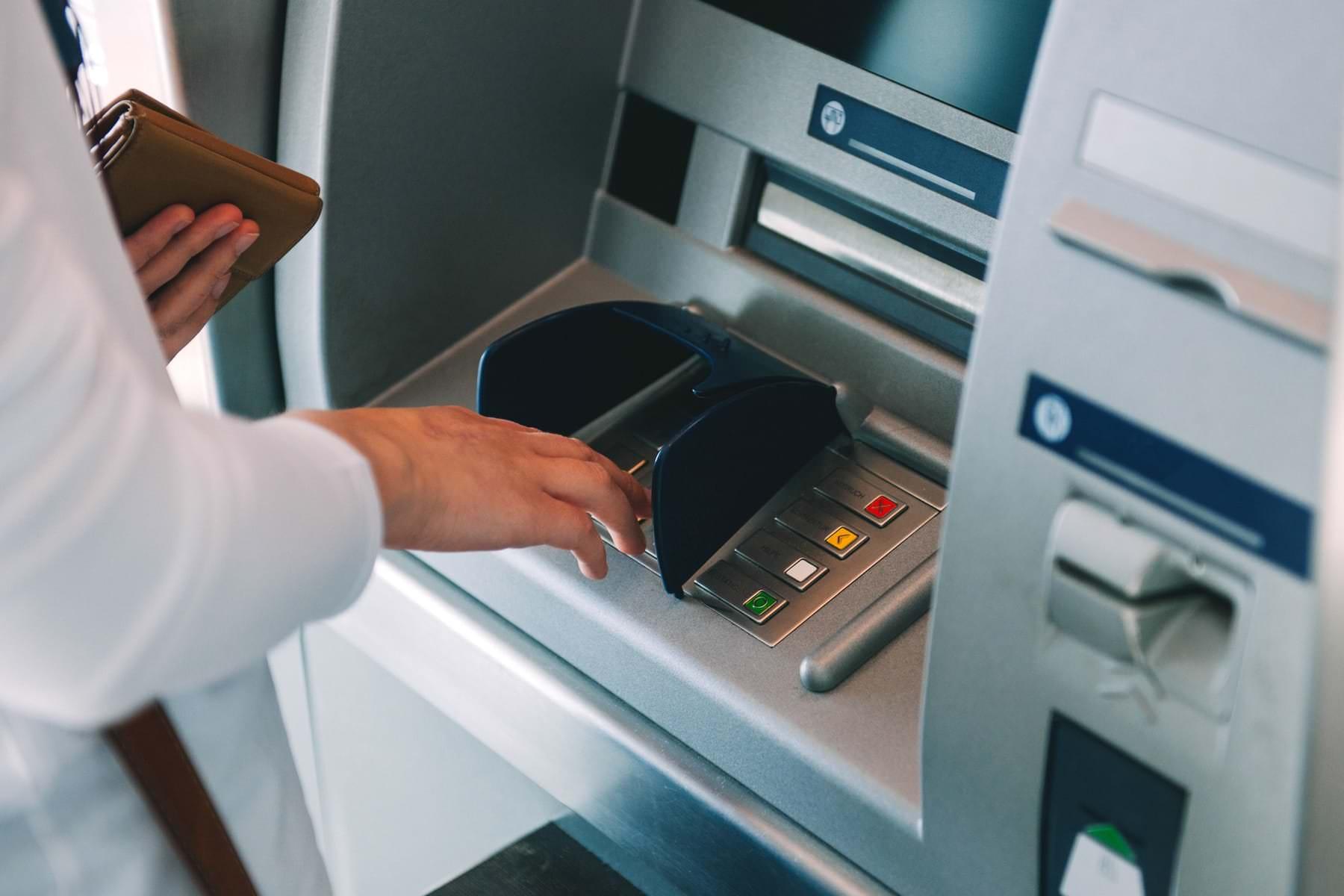 Как не потерять свои деньги при проблемах с банкоматом