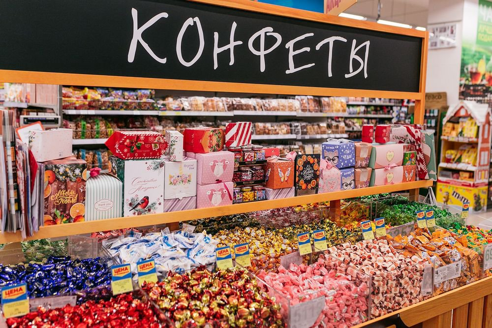Россиян предупредили - скоро подорожают конфеты и вафли!