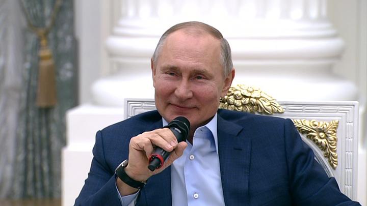 Раскрыт годовой заработок Владимира Путина