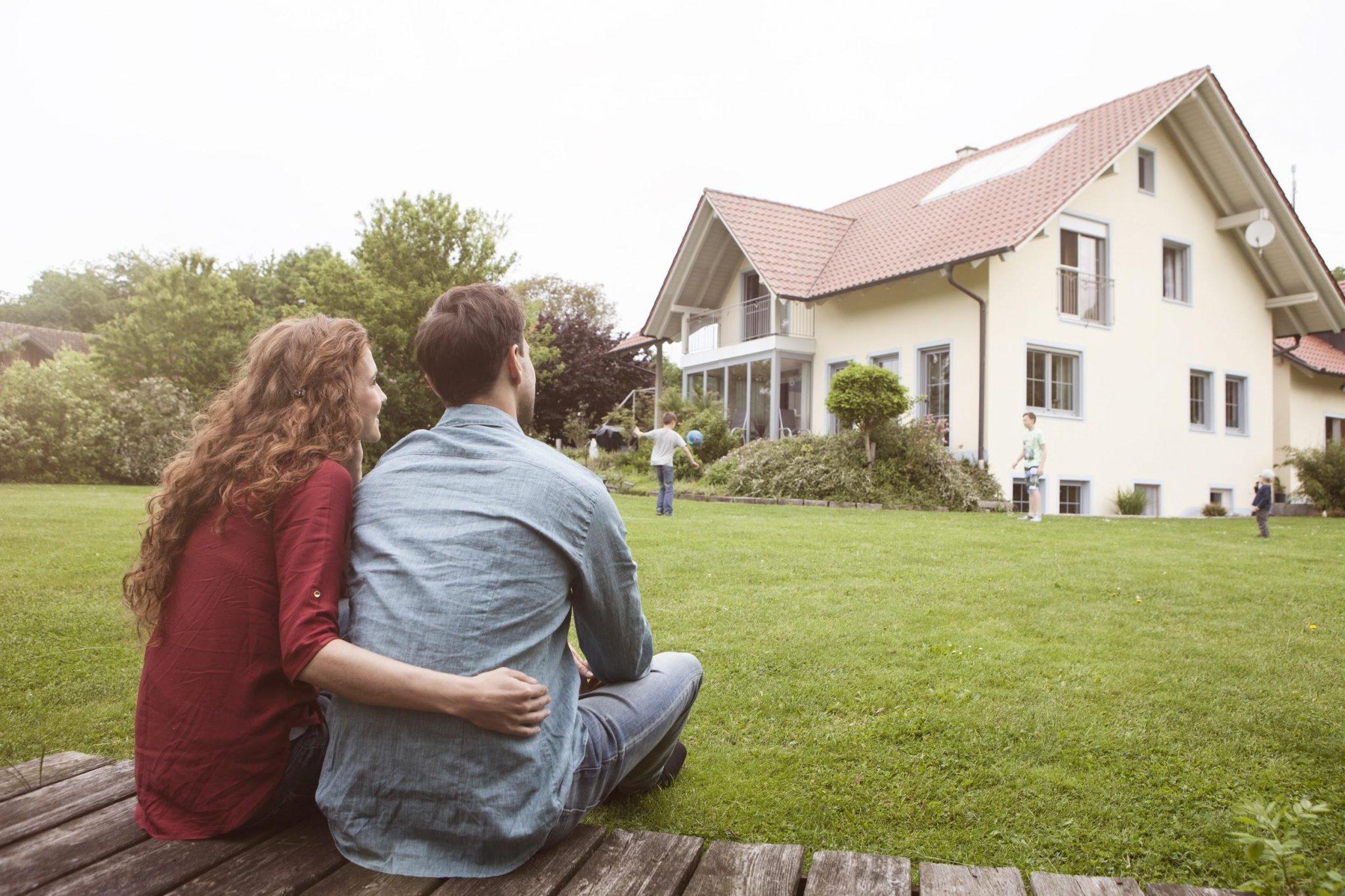 Российские семьи могут воспользоваться расширенной льготной ипотекой. Кто ее получит?
