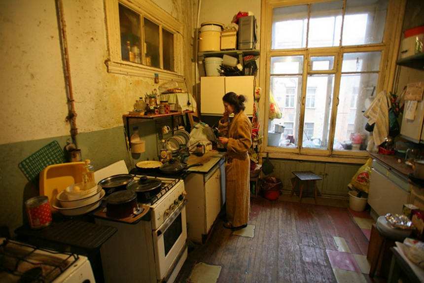 Цена квадратного метра в коммуналках сравнялась с отдельными квартирами
