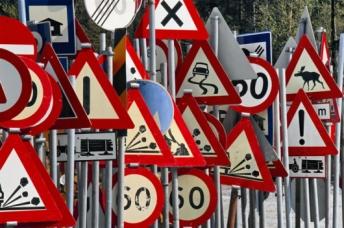 В России наконец-то уберут непонятные дорожные знаки