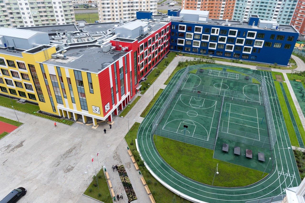 В России построят 1300 новых школ, а кто там будет работать?