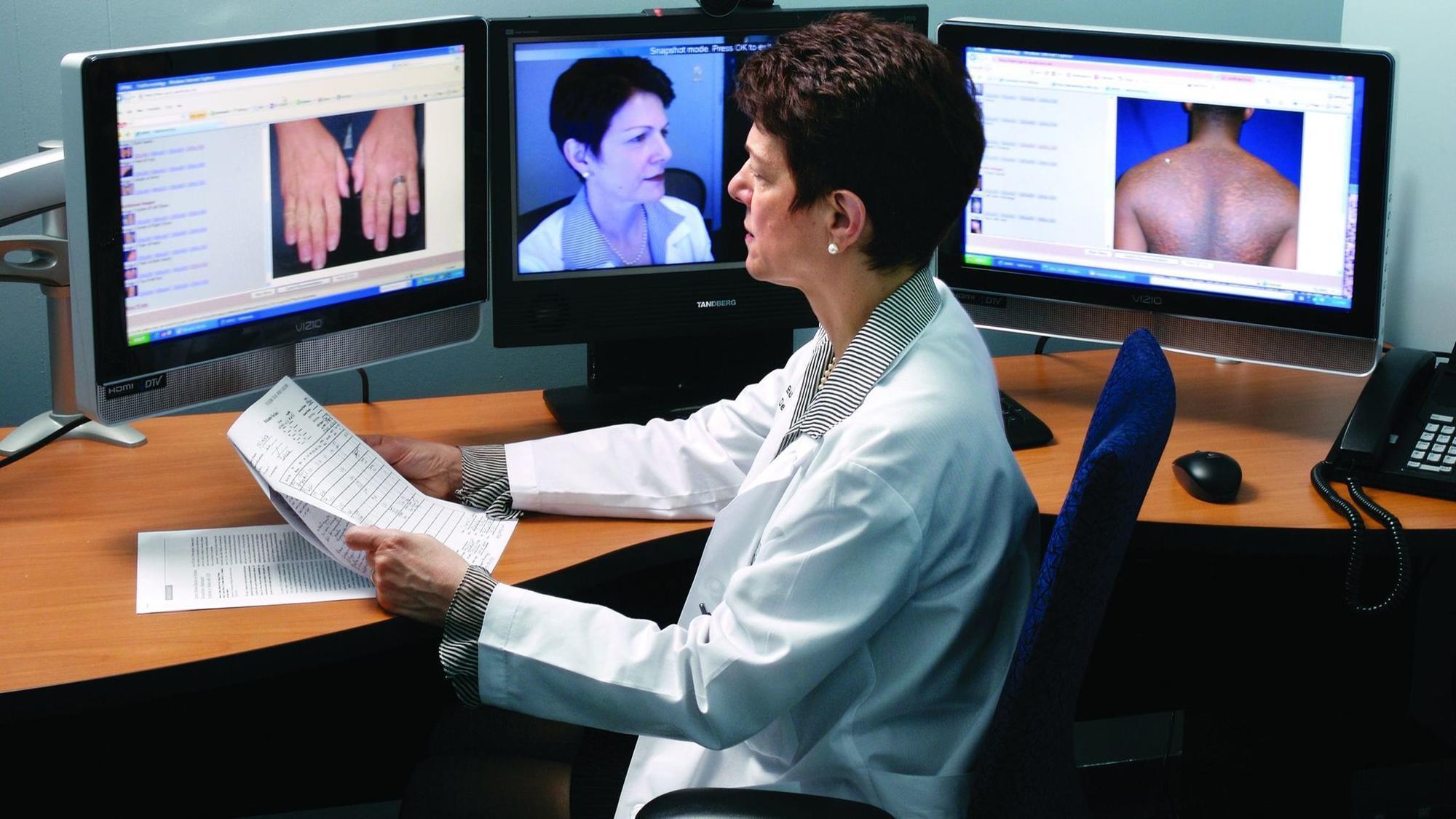 Доктор в телефоне: есть ли преимущества у телемедицины или это вынужденная мера во время пандемии