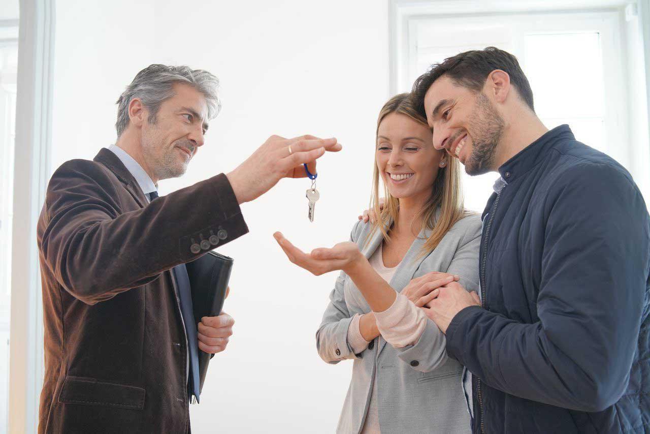Почему при покупке квартиры нужен юрист?