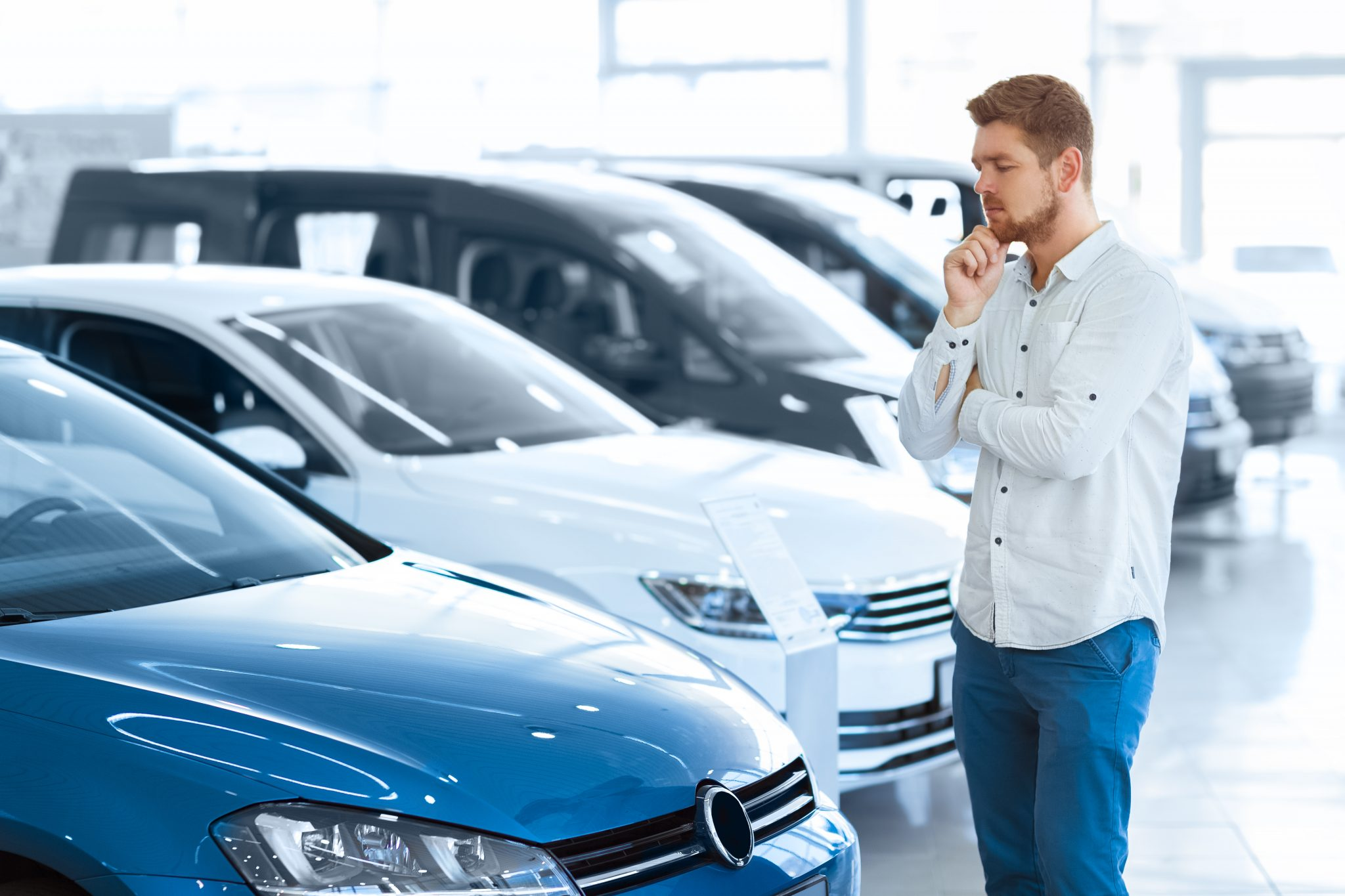 С 1 мая 2021 года россияне будут покупать автомобили онлайн