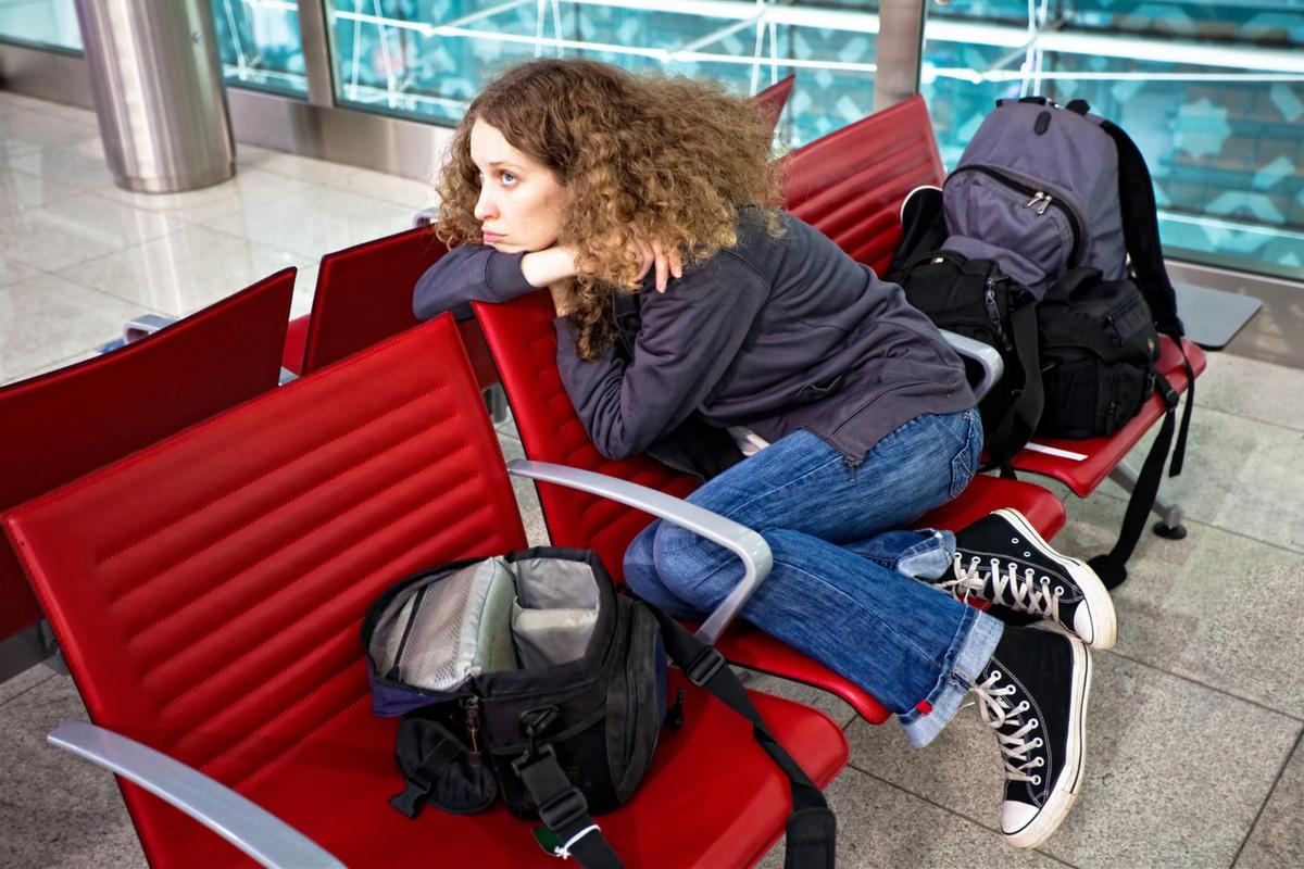 Что делать туристу, попавшему под запрет (нахождение в другой стране, заранее купленный билет и пр.).