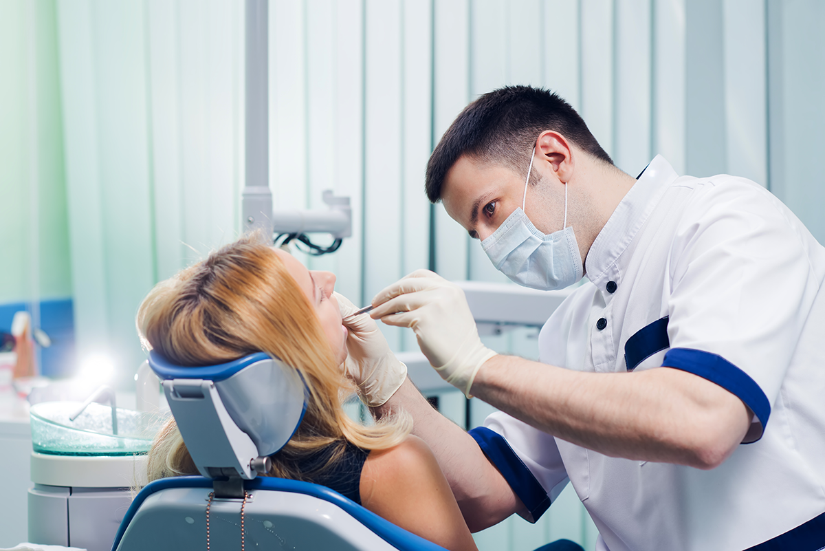 Бесплатное лечение зубов в платных клиниках