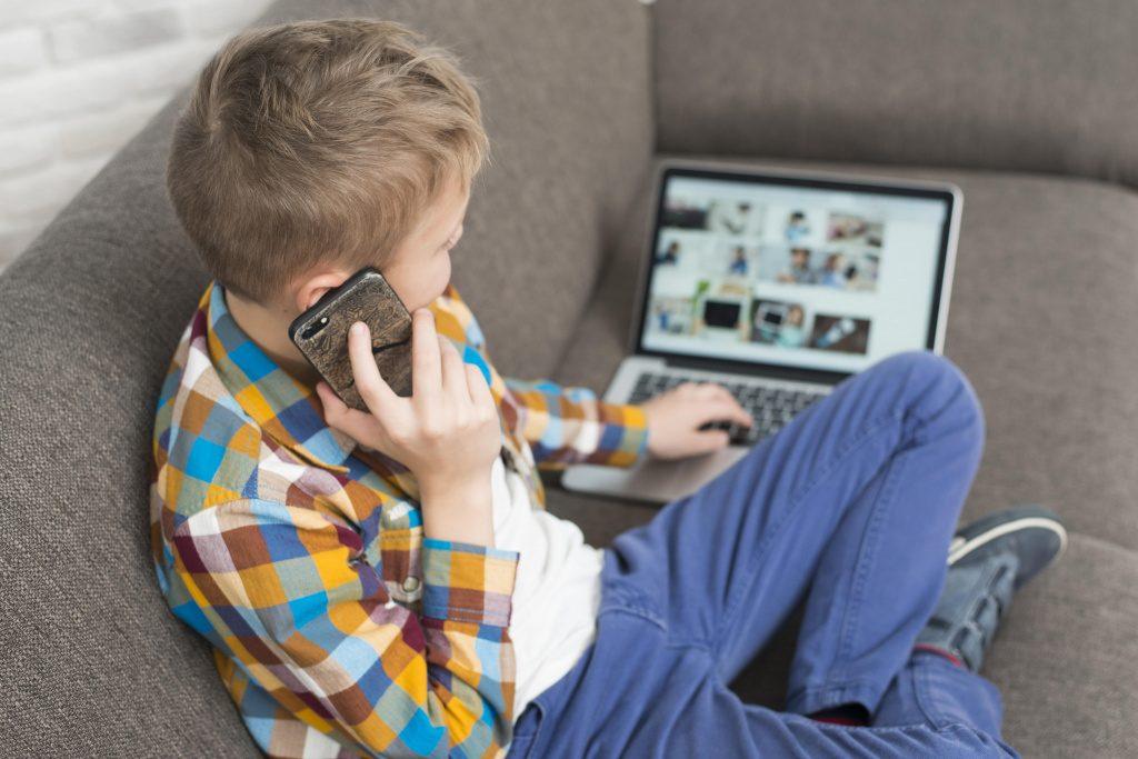 Роскомнадзор предложил сделать функцию «родительский контроль» бесплатной