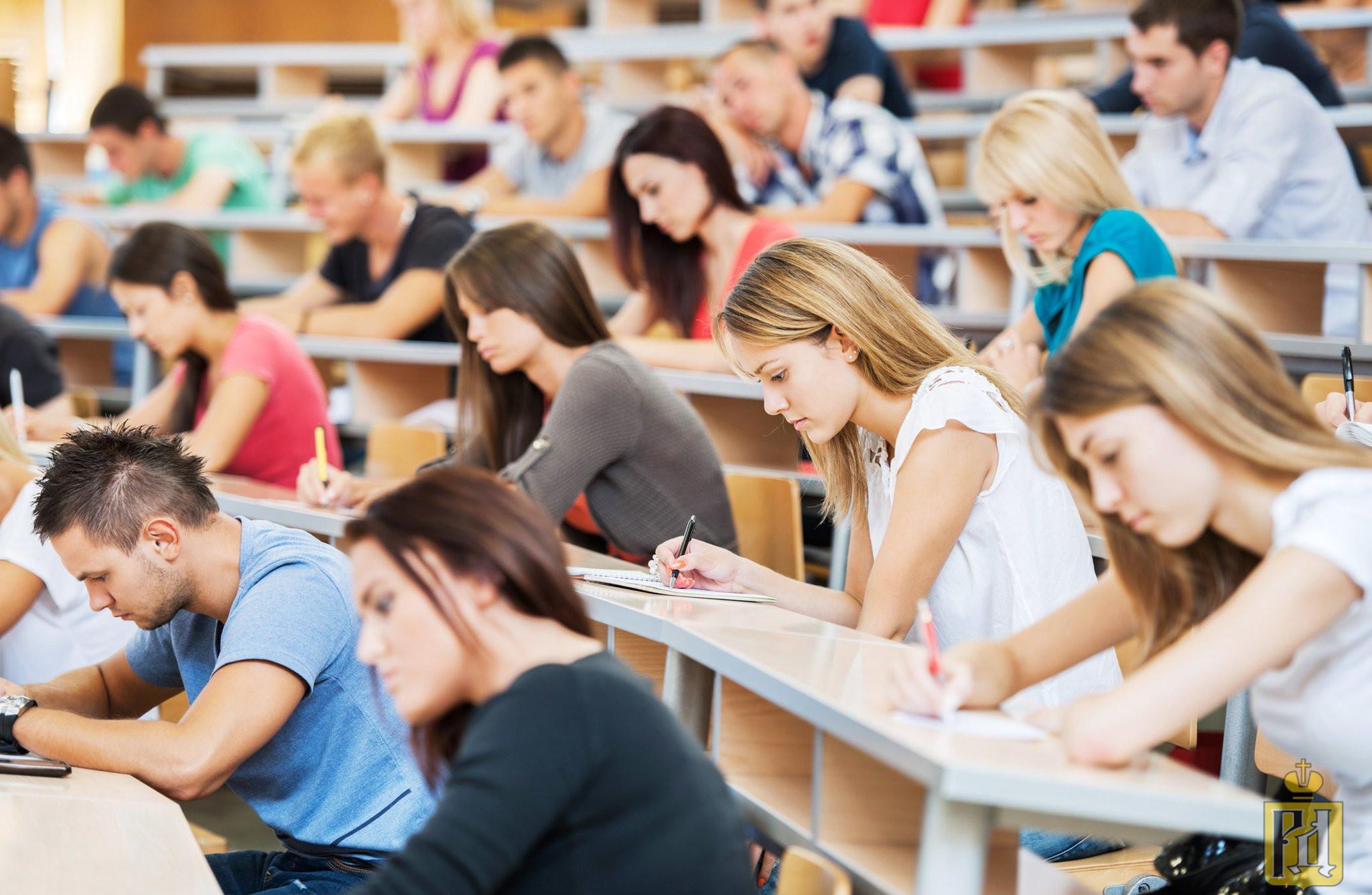 ВУЗ - хорошо, а колледж - плохо. Так ли это на самом деле?