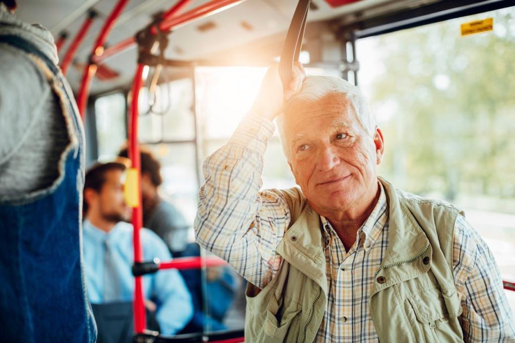Пенсионерам вернули льготу на бесплатный проезд в Кузбассе