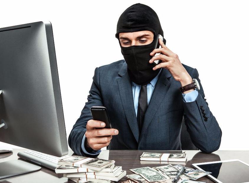 Приложения на вашем телефоне могут украсть деньги с ваших банковских карт
