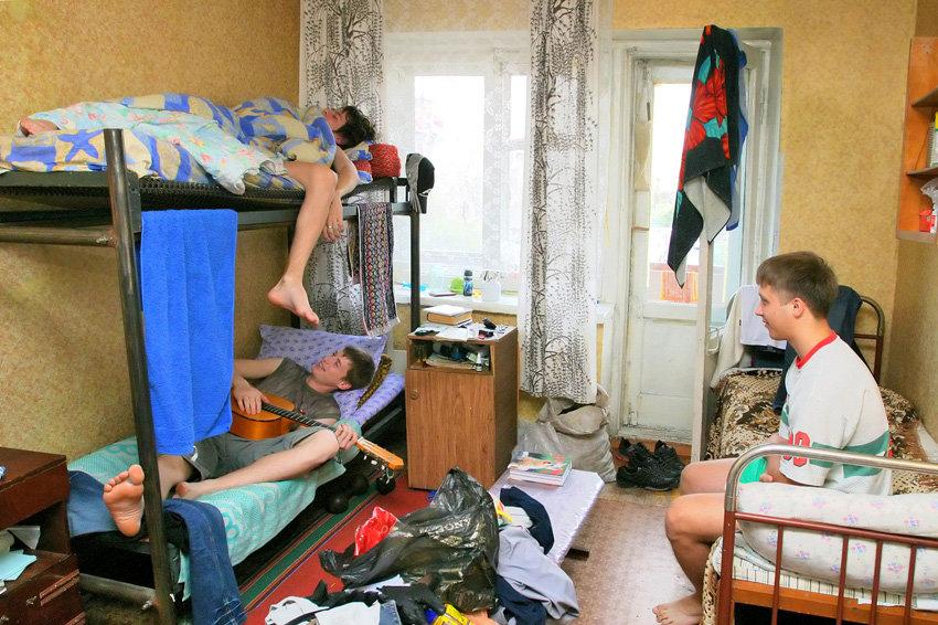Россиян, у которых нет квартир, теперь будут переселять в общежития