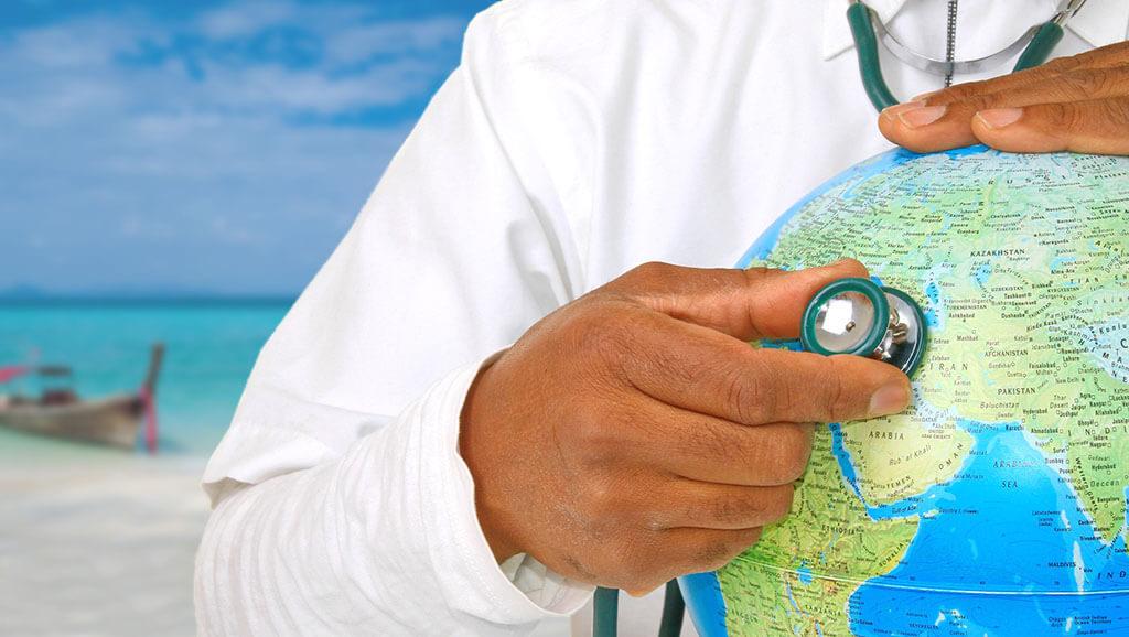 Как работает туристическая страховка от коронавируса: когда и кому нужно заключить договор страхования в 2021 году