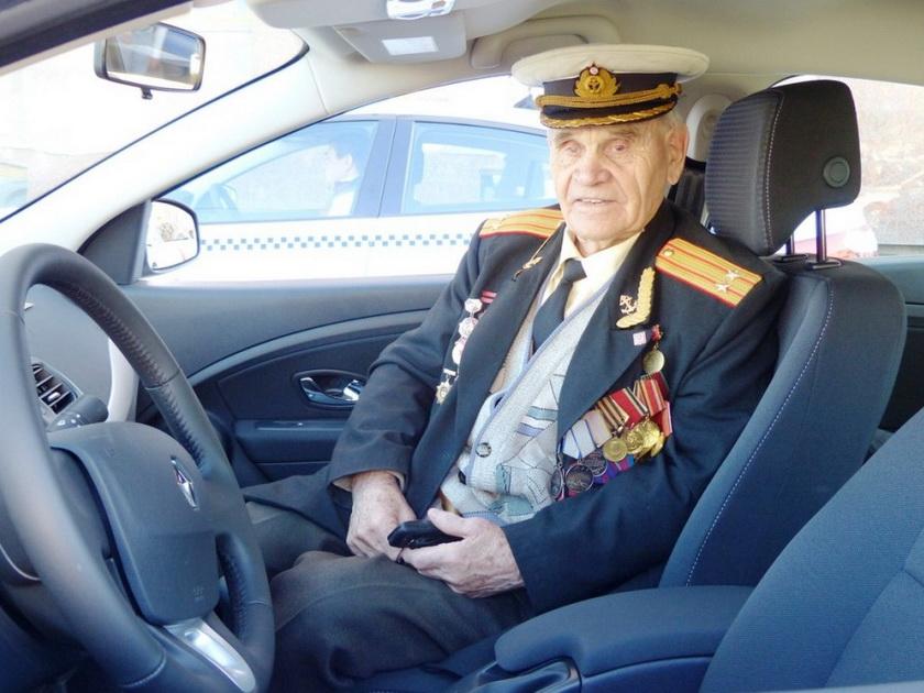С 7 по 9 мая подмосковные ветераны смогут бесплатно ездить в такси