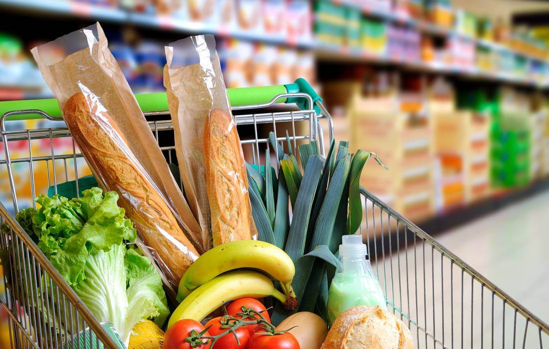 5 супермаркетов, в которых пенсионеры могут купить продукты по льготным ценам