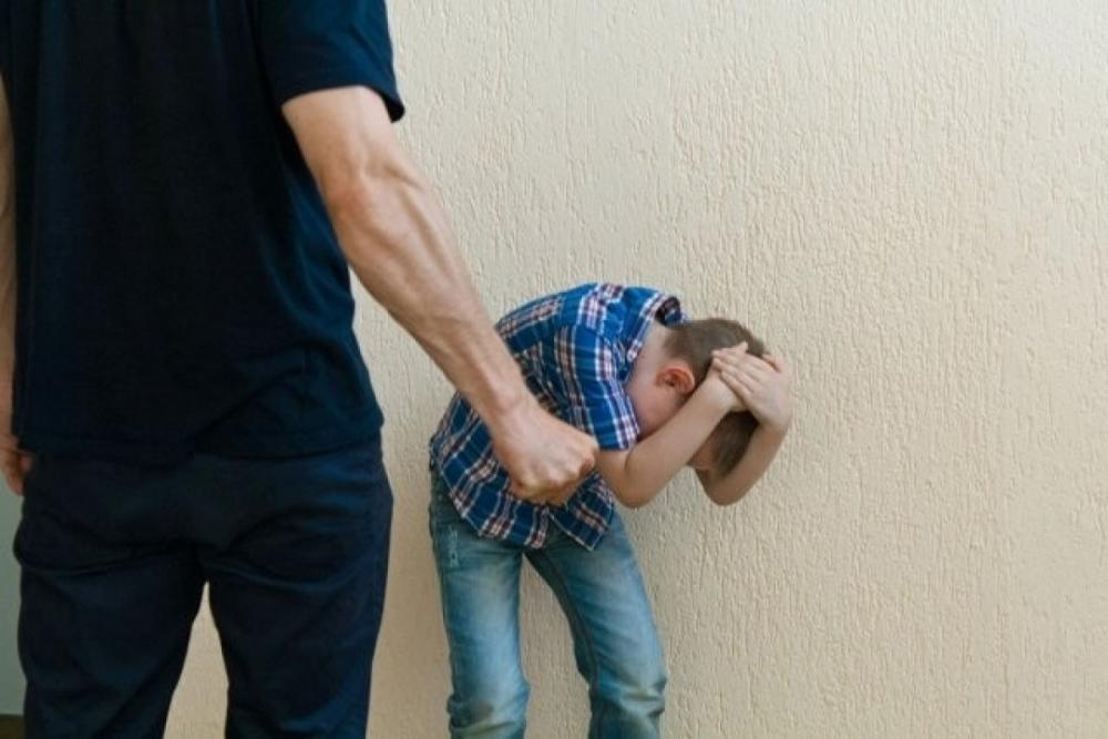Избиение ребёнка как преступление, предусмотренное Уголовным кодексом