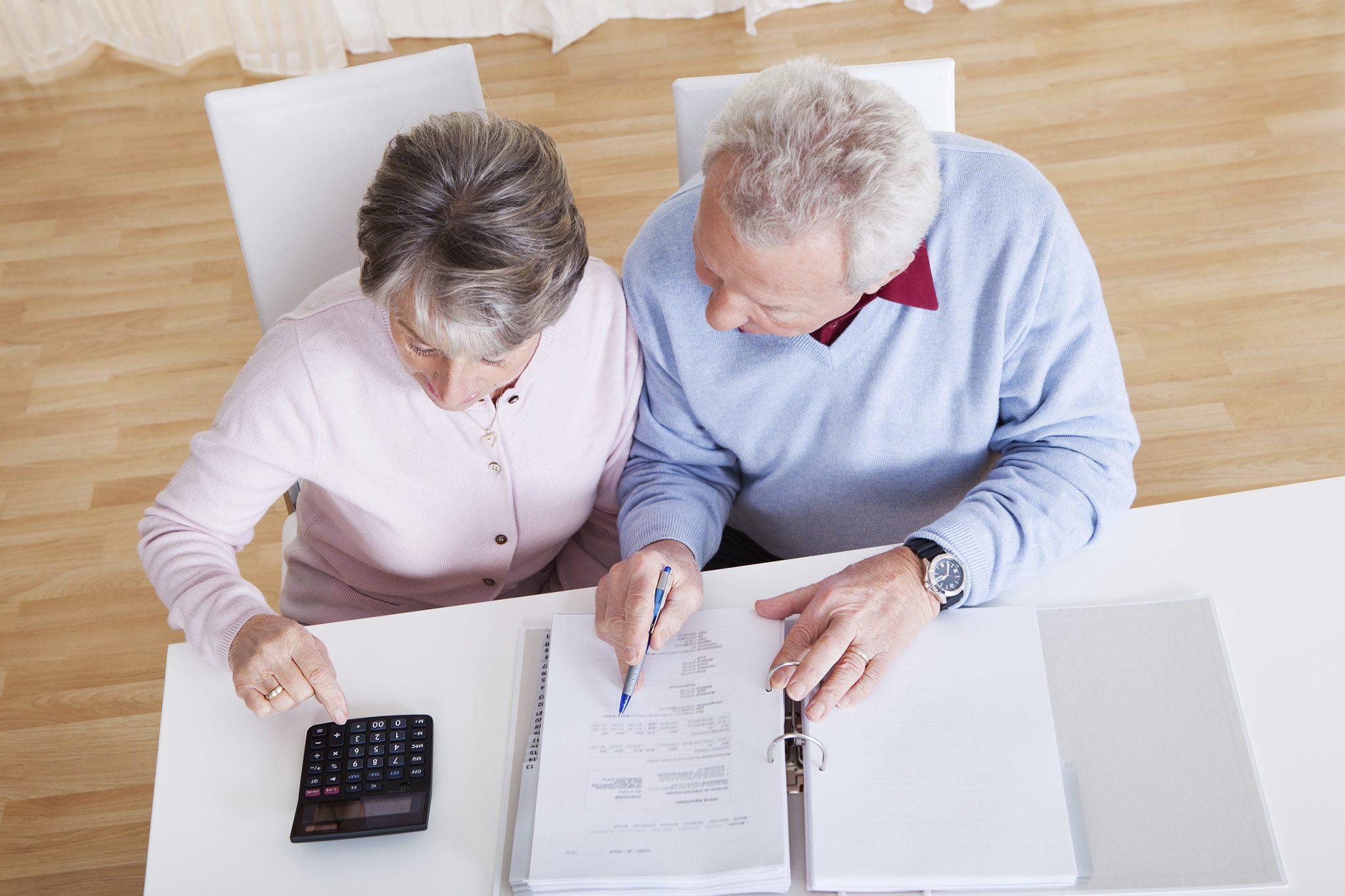 Может ли пенсионер получить налоговый вычет, виды вычетов