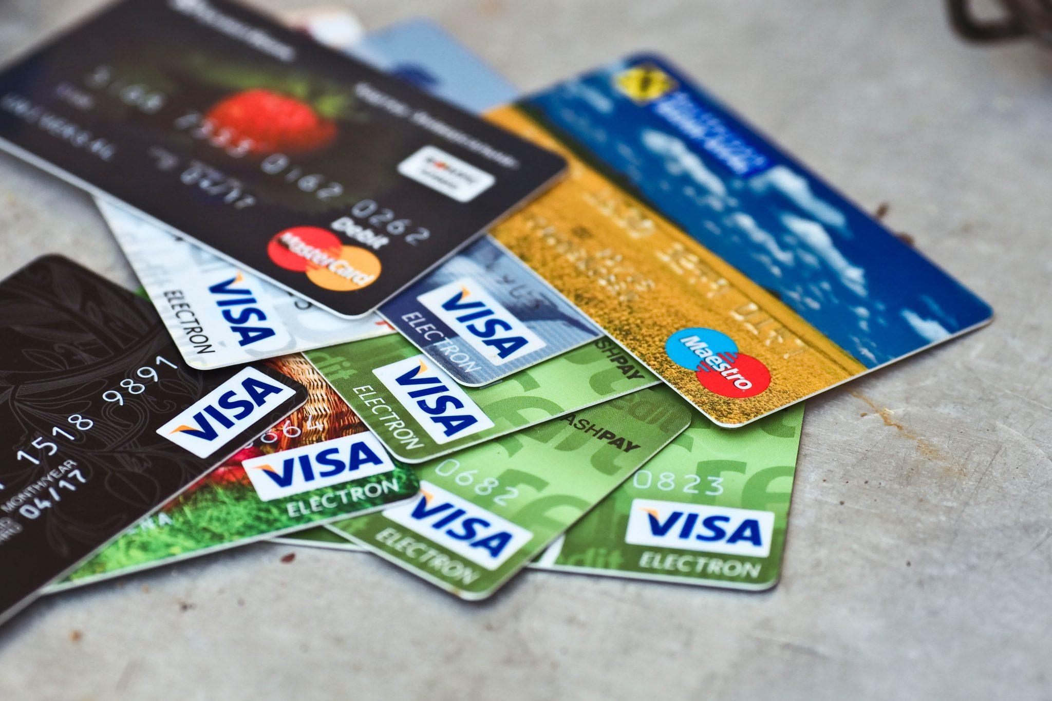 Лучшая зарплатная карта: условия банков 2021-2022