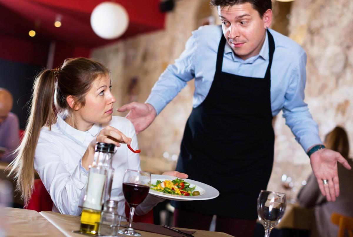 Права посетителя ресторана: на что рассчитывать и что требовать по закону