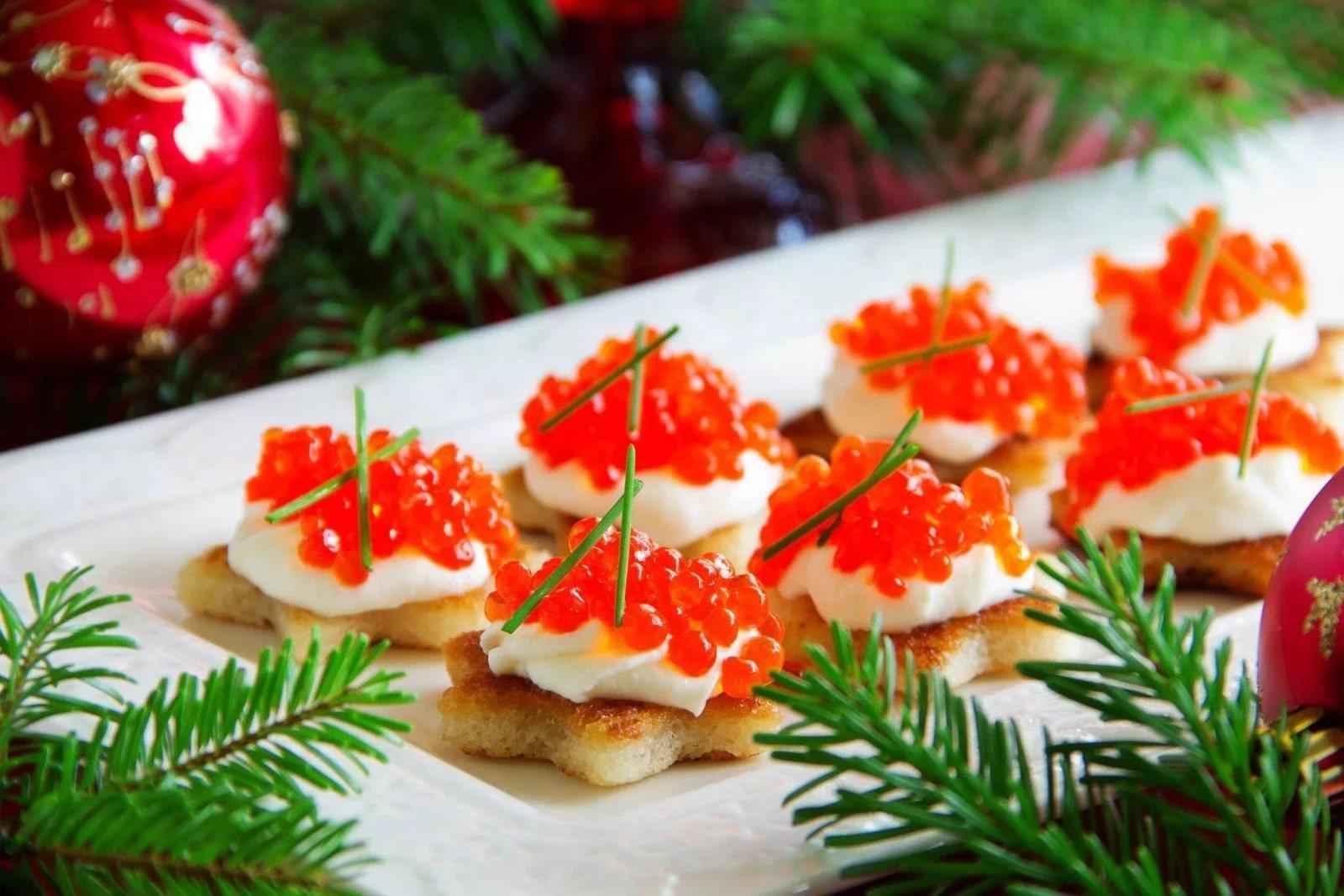 Россиянам назвали стоимость красной икры к Новому году
