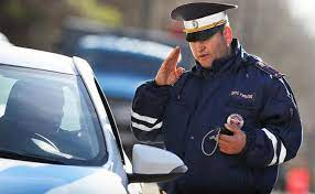 Адвокат объяснил, что делать, если забыл дома водительское удостоверение - РИА Новости