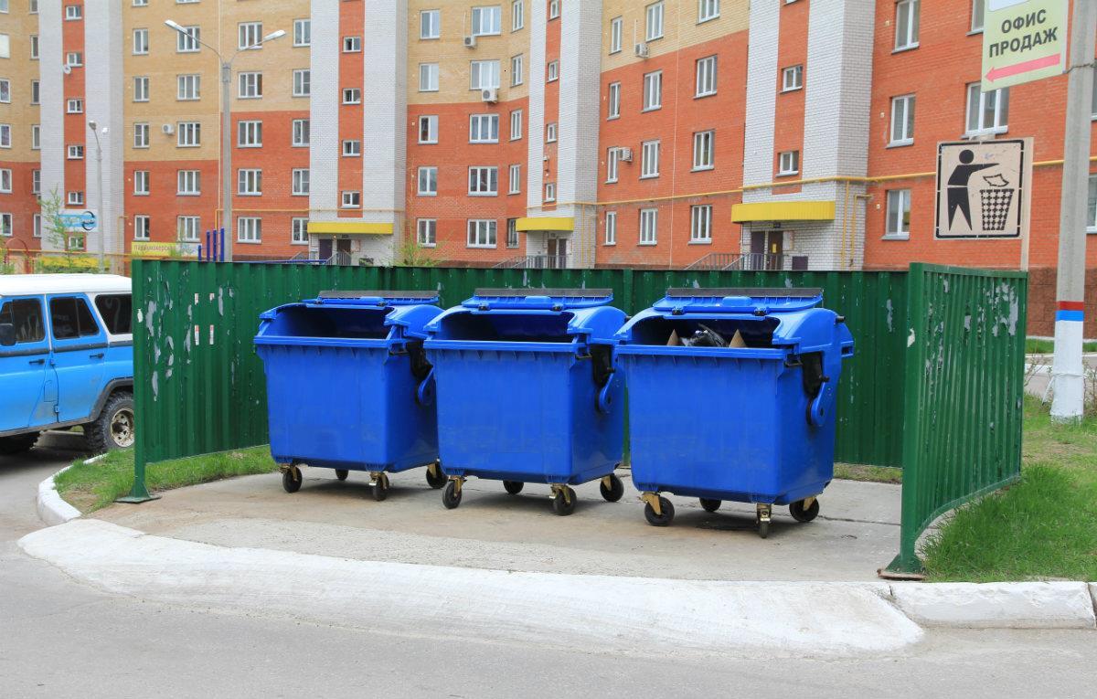 Расстояние от мусорных контейнеров до жилого дома: нормы СНиП, СанПиН